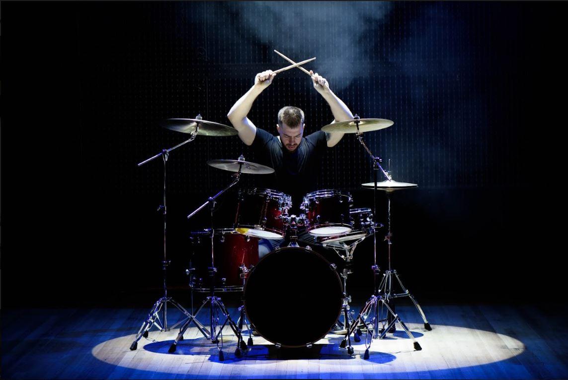 Drummer man spotlight stoppen met roken
